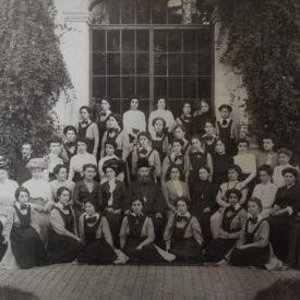 Elevele de la Școala Centrală, București