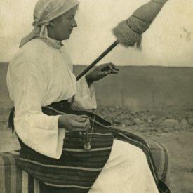 Femeie torcând